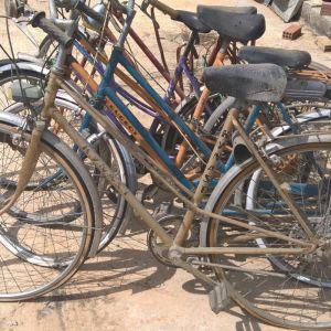ΣΥΛΟΓΗ. ΟΛΑ ΜΑΖΙ η χωρια .15 ποδηλατα  ΓΥΝΑΙΚΕΙΑ εν λειτουργεια αντικες? 1960-1970 . [ vintage ] .