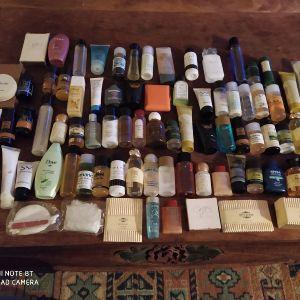 Συλλογή από διαφημιστικά ξενοδοχείων (80)με δώρο τσάντα διαφημιστική Iberia.