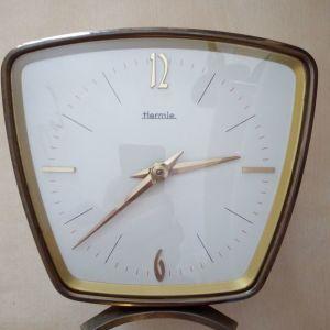 Επιτραπέζιο ρολόι.