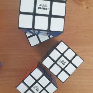 Κύβοι Rubik's αυθεντικοί με original κουτιά στα ουγγρικά