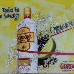 Φωτιζόμενη ταμπέλα-κορνίζα Gordon's gin
