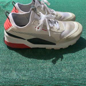 PUMA Men Shoes White Red No 44