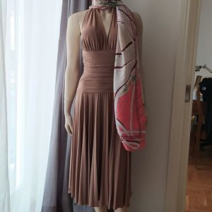 Φόρεμα στο γνωστό σχέδιο Marilyn Monroe