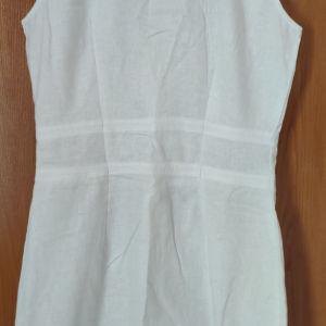 Άσπρο λινό φόρεμα, πάνω από το γόνατο