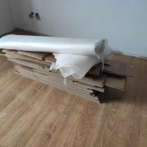 Πάτωμα laminate λαμινέιτ