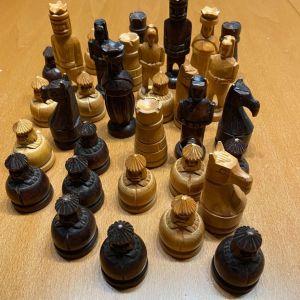 Χειροποίητα ξύλινα σκακιστικά πιόνια Σκανδιναβικής τεχνοτροπίας