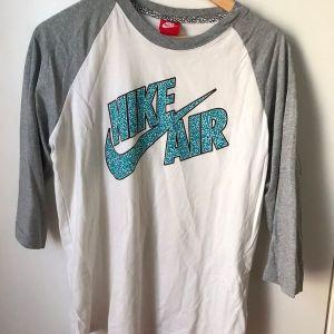 Nike skate shirt