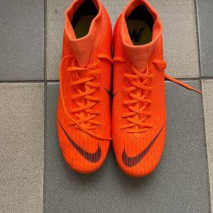 Nike 6ταπα size 44