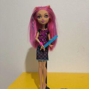 Monster High Creepateria Howleen Wolf Doll