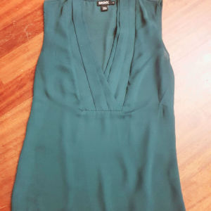 DKNY top size S-M