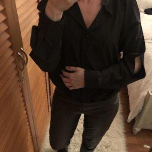Μαύρο πουκάμισο με ανοίγματα στους ώμους - Black shirt off shoulders - Greek Designer Lotus Eaters
