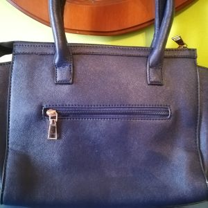 NEW Γυναικεία Τσάντα με λουρί χιαστί σε σκούρο μπλε απόχρωση