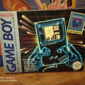 Gameboy με το κουτί του