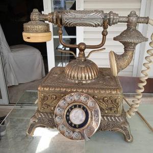 πωλείται μπρούτζινο τηλέφωνο του 1970