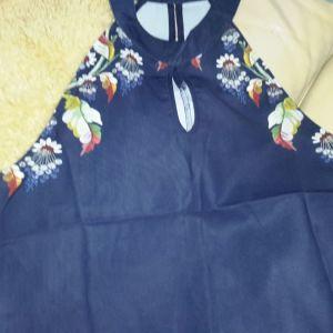Πανέμορφο φόρεμα M νούμερο.