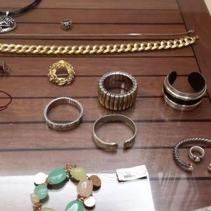 Faux bijoux μεταχειρισμένα