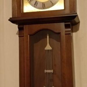 Ρολόι τοίχου εκκρεμές