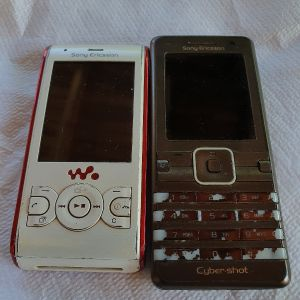 2 Κινητά Sony Ericsson Για ΑΝΤΑΛΛΑΚΤΙΚΑ