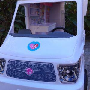 Barbie Κινητό Ιατρείο – Ασθενοφόρο.