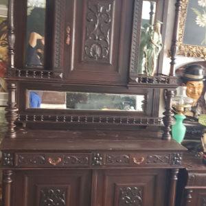 παλιό μπουφέ γνήσιο σε άριστη κατάσταση τιμή ευκαιρίας 550 ευρώ
