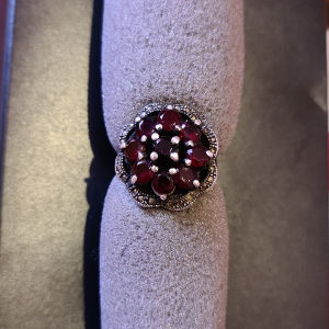 δαχτυλίδι  925 με βυσσινί πέτρες
