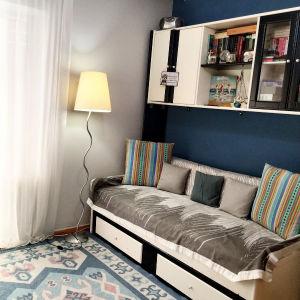 Σύνθεση εφηβικού δωματίου με δύο κρεβάτια που γίνονται και διπλό.