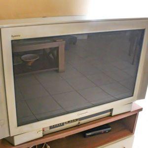 Τηλεόραση Panasonic 31 ιντσών, μαζί με αποκωδικοποιητή