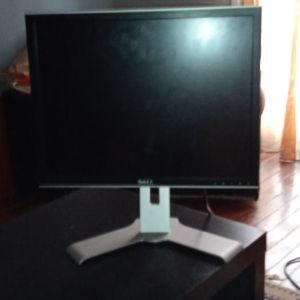 """Οθόνη υπολογιστή Dell 20"""" με πτυσσόμενη βάση."""