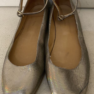 extremely gorgeous genuinely leather flat