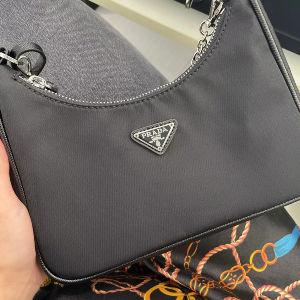 Τσάντα Prada Re-Edition 2005 Re-Nylon