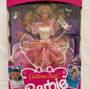 Costume Ball Barbie 1990