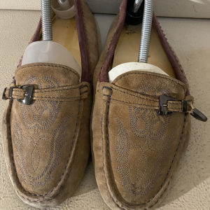 extremely gorgeous genuinely suede gommino moccasins loafers by Tods made in Italy size 38.5 in excellent condition