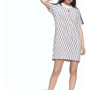 Φόρεμα Adidas λευκό με λογοτύπα μαύρα Adidas και ρίγες στα μανίκια