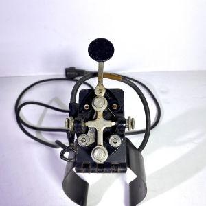 Συσκευή σημάτων Μορς στρατιωτική .Παλιά συλλεκτική για το πόδι .