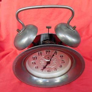"""KAISER"" Πολύ μεγάλο επιτραπέζιο ρολόι-ξυπνητήρι της δεκαετίας του '60."