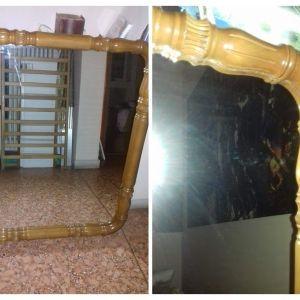 καθρέφτης με ξύλινη σκαλιστή κορνίζα