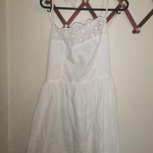 φόρεμα καινούργιο με ανοιχτή πλάτη m/l