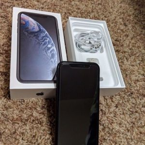 Apple iPhone XR (64GB) Black ΣΑΝ ΚΑΙΝΟΥΡΓΙΟ ΣΤΟ ΚΟΥΤΙ ΜΕ ΠΑΡΕΛΚΟΜΕΝΑ ΤΕΛΕΙΑ ΚΑΤΑΣΤΑΣΗ!!