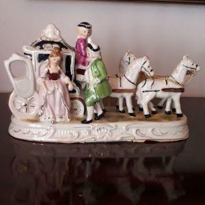 2 γερμανικες πορσελανες με αλογα αμαξα και ζευγαρι εποχης.