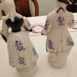 πορσελάνινα αγαλματίδια