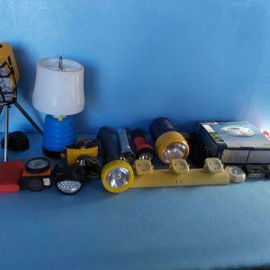 φακοι χειρος,φωτιστικα μπαταριας και επαναφορτιζομενα,τεμαχια 30,τιμη για ολα μαζι 40 €