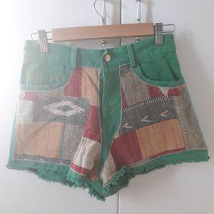 Nidodileda Vintage τζιν παντελονι σορτς Jean Shorts διαθέσιμο σε πράσινο  / Nidodileda vintage jean shorts available in green