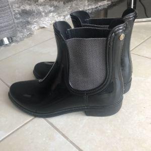 Γαλότσες μπότες Tommy Hilfiger μαύρες 38
