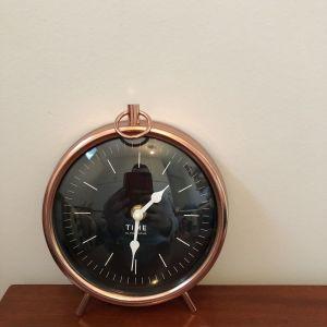 Πωλείται Επιτραπέζιο   Μπρονζέ ρολόι