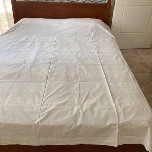 Σετ κρεβατοκάμαρας - κρεβάτι και 2 κομοδίνα