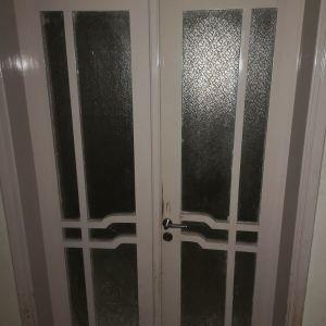 Πόρτες εσωτερικές ξύλινες με τζάμι