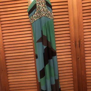 Πράσινο μάξι φόρεμα Milk & Honey