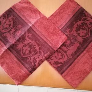 2 μαξιλάρια διακοσμητικά 0.45 Χ 0.45  χρώμα μπορντω με φερμουαρ