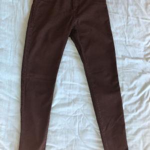 Μαύρο υφασμάτινο παντελόνι (Bershka)