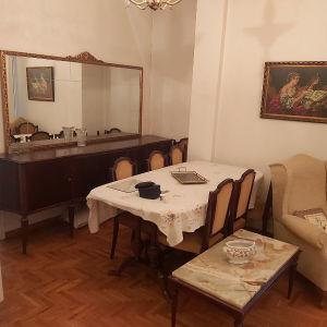 τραπεζαρία 8 καρέκλες και μπουφες με καθρέφτη